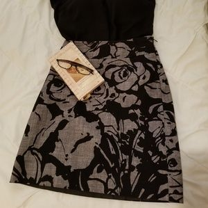 Ann Taylor black and gray floral pencil skirt